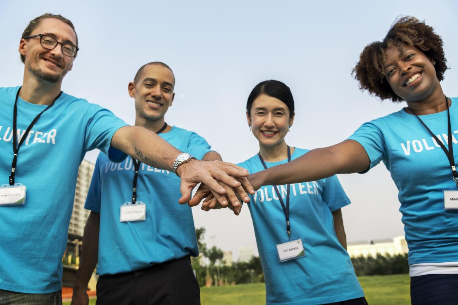Hoe plan je een liefdadigheidsevenement: 10 belangrijke stappen