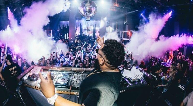 Hoe een nachtclubevenement te organiseren
